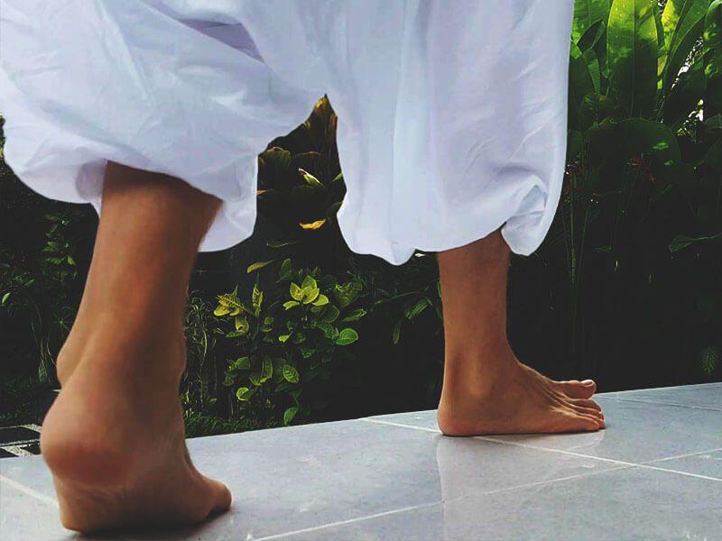 cobra-yoga-yoga pose-yoga online class-yoga class-hatha yoga-hatha-sivananda