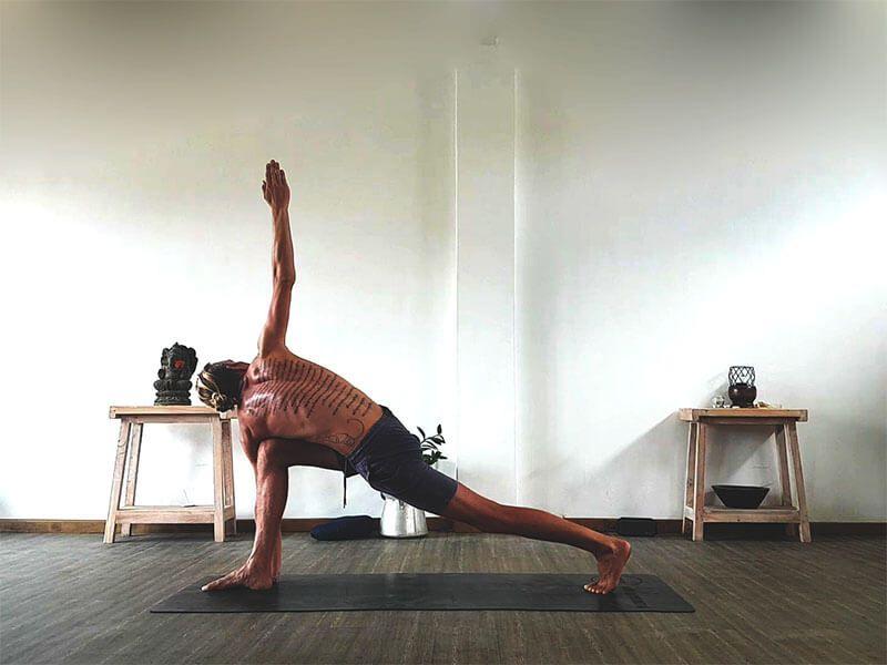 Yoga für Männer Anfängerkurs-Yoga mit Simon