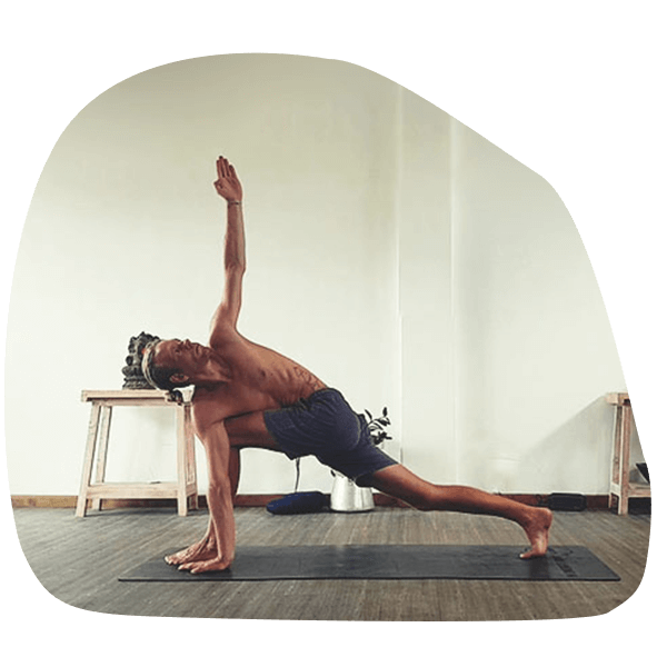 Yoga mit Simon-Yogalehrer-Hatha Yoga-Sivananda Yoga-Yin Yoga