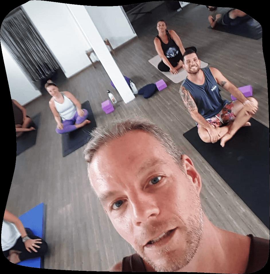 Yoga Stunde-Online Yoga-Yoga Online-Yoga mit Simon-Yogastunde online